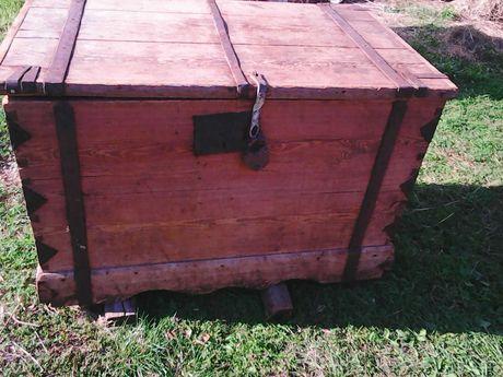 stary kufer,meble,narzędzia stolarskie,bagnet