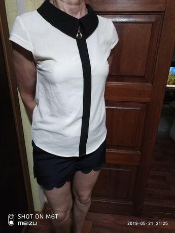 костюмблуза и брючные шорты 44р в идеале