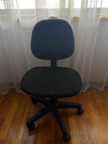 Cadeira de escritório/ secretária