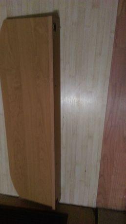 półki drewniane na ścianę razem ze śrubami mocującymi