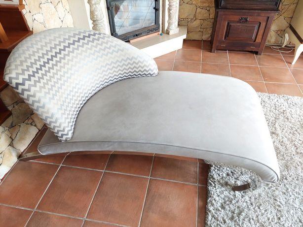 Chaise long cinza