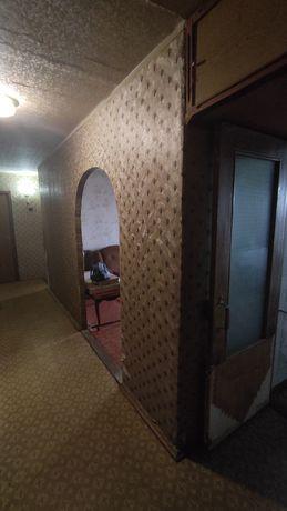 Продаж 3-кімн. квартири + Гараж по вул. Незалежності