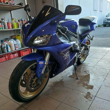 Yamaha R1 Rn09 2002. Opis.