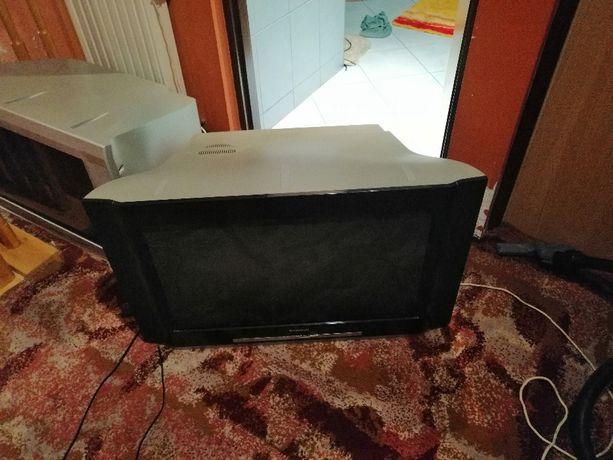Sprzedam telewizor Thomson 32WM402