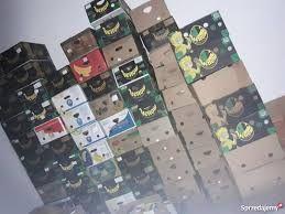 kartony, pudełka po bananach