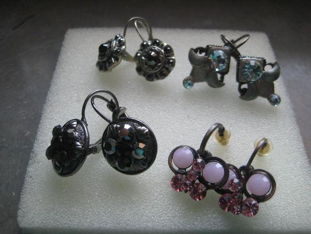 4 pares brincos antialérgicos Pedra Dura(nunca usados)