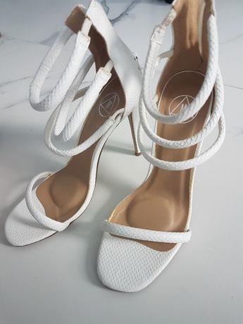 sandały na szpilce r. 38 Missguided