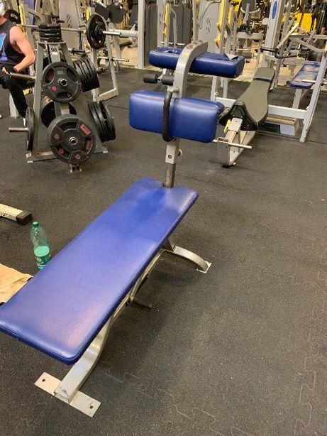 Cybex ławka do ćwiczeń mięśni brzucha Life Fitness Technogym