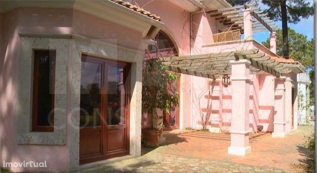 Moradia T5, 402 m2 em lote de 1500 m2 na Herdade da Aroeira