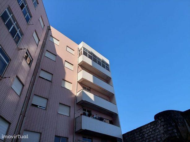 Apartamento T2 - Ferreiros