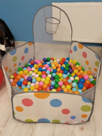 Basen z piłkami dla dzieci