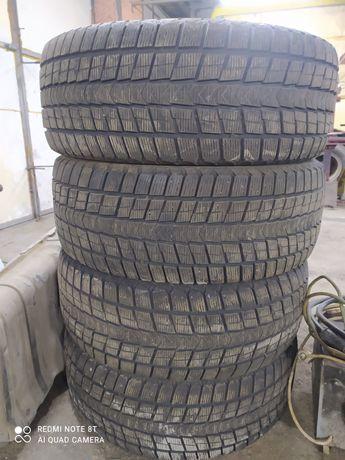 Продам комплект зимних шин r18 285 60