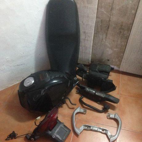 NX400, YBR125,Moto Guzzi Nevada, Vespa 50 Xls/PK/FL2, Suzuki TU