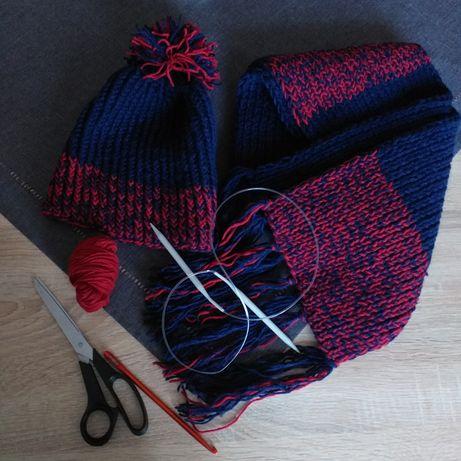 Zimowa czapka z pomponem i szalikiem