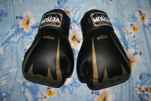 Боксерске перчатки Venum
