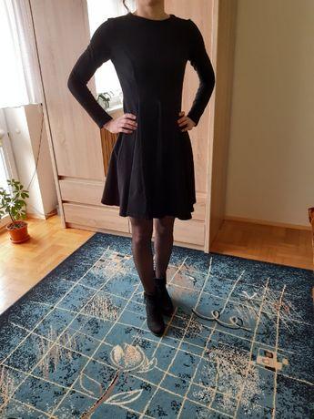 Rozkloszowana sukienka w kliny / czarna / XS