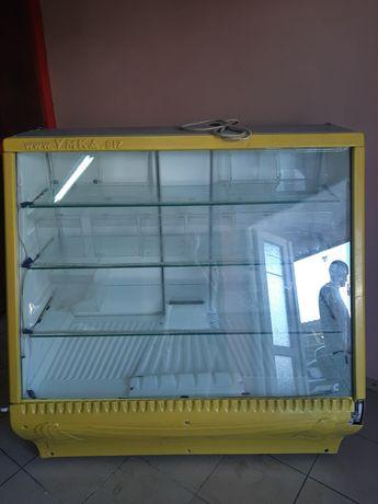 Витрина холодильник в Железном Порту