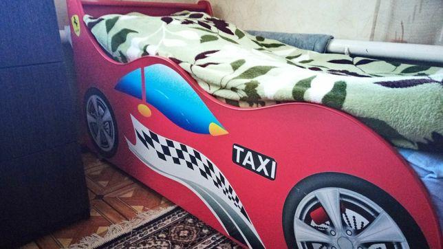 Детская кровать машина.