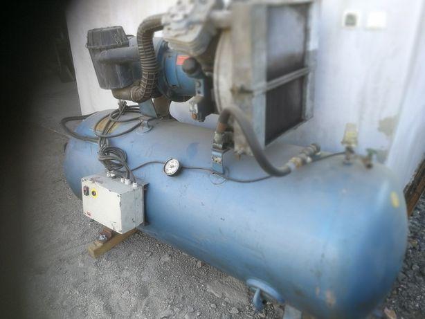 kompresor 2-tłokowy 1000litrów mahle