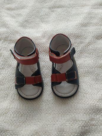 Sandałki emel 22