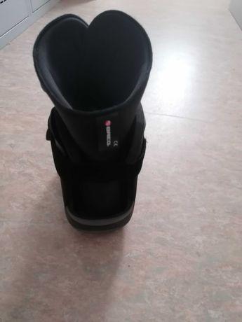 Orteza, krótki but marszowy na staw skokowy rozmiar 39