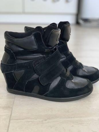 Сникерсы кроссовки на танкетке ботинки