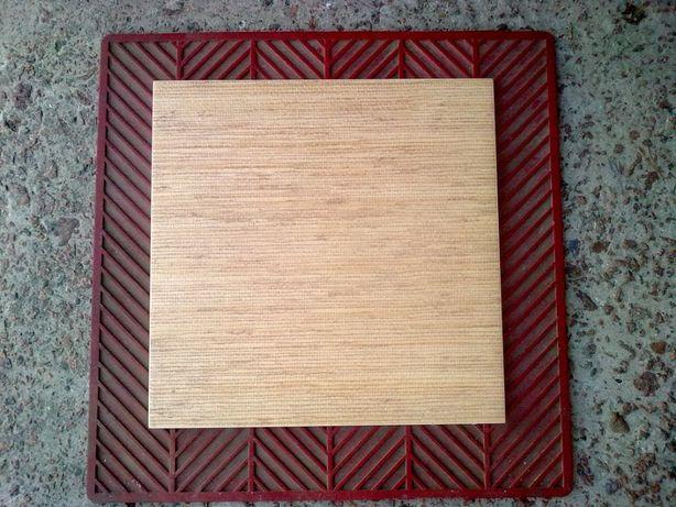 Плитка половая (размер 35 на 35 см - одна шт.)