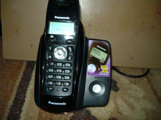 Радиотелефон Panasonic KX-TCD205UA две трубки