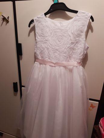 Biała sukienka 10 lat