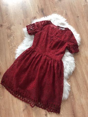 Czerwona sukienka rozkloszowana s 36