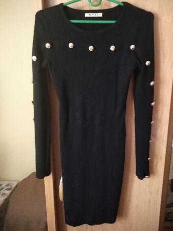 Piękna czarna sukienka z guziczkami rozmiar L/XL