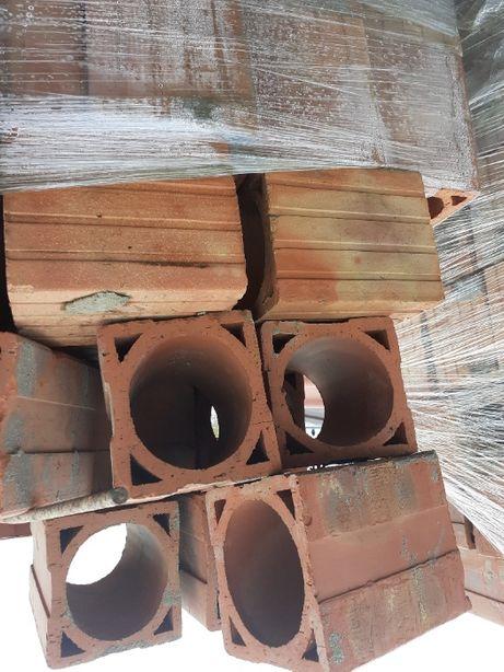 komin wentylacyjny cegła słupy energtyczne gruz