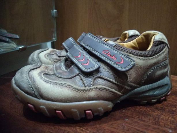 Детские кожаные кроссовки Clarks стелька 17 см