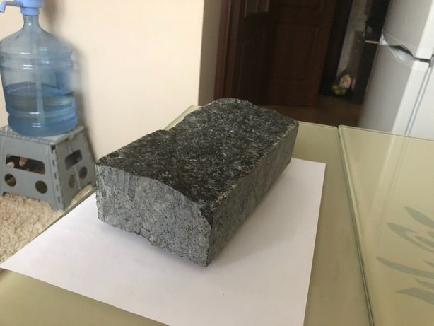 Cięto-łupana kostka granitowa CZARNA 10x20x5