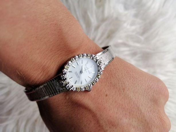 Nowy zegarek damski na srebrnej bransolecie diamenciki