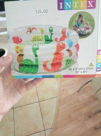 Продам детский бассейн