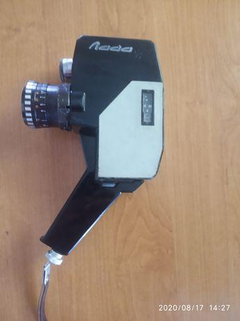Продам кинокамеру Лада.