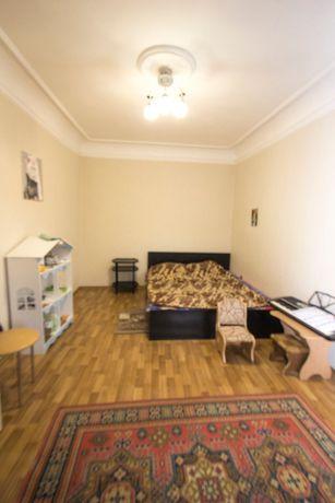 2 комнатная квартира на Молдаванке, ул Колонтаевская , средний этаж