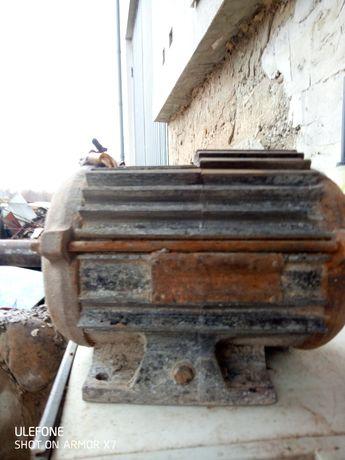 Електромотор трьохфазний
