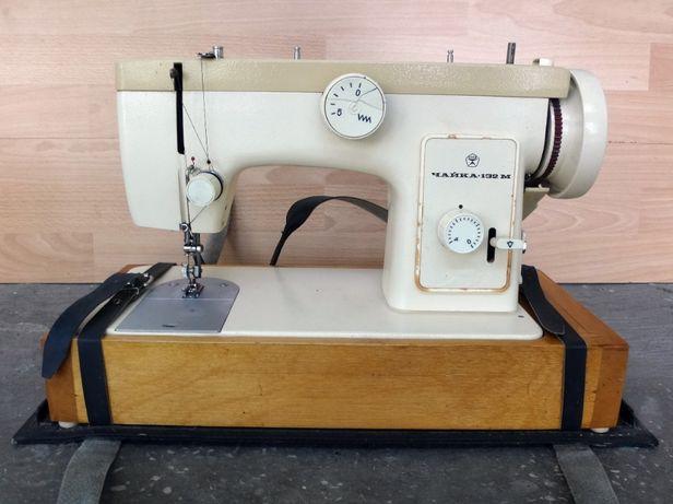Швейная машинка Чайка 132 М (СССР) с электроприводом Universal Турция