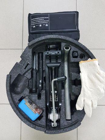 WV Passat B6 B7 B8 СС Scoda Octavia A5 A7 Домкрат крюк ключи вкладыш