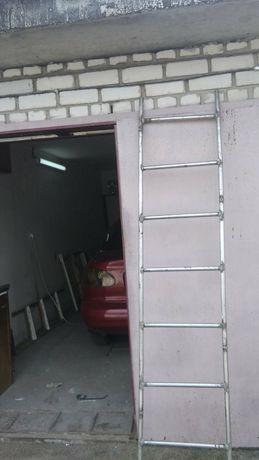 Нержавеющая лестница 2.5 м