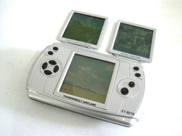 "Vintage - Máquina ""Consola"" de Jogos Portátil"