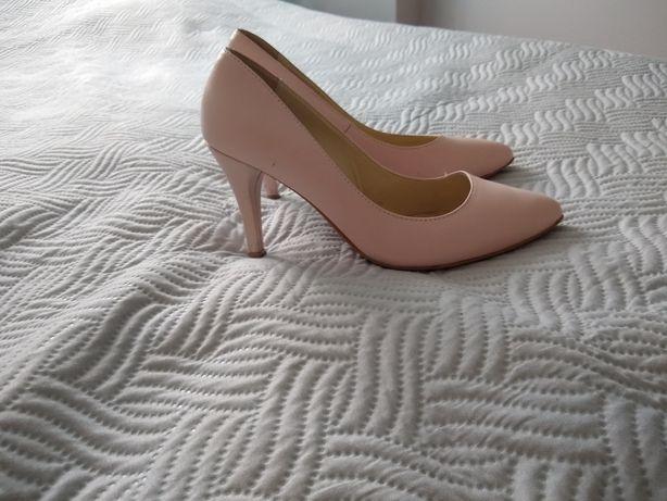 Sprzedam buty firmy La Boda