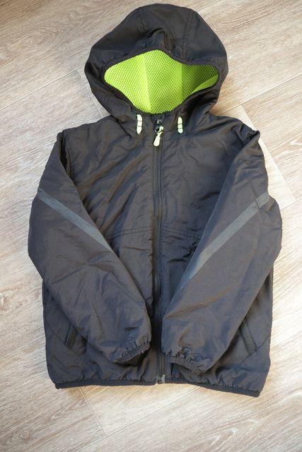 Демисезонная куртка на мальчика 5-6 лет рост 110