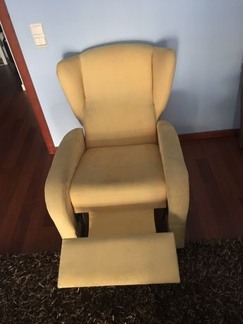 Poltrona reclinavel amarela