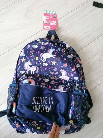 Nowy plecak szkolny w jednorożce