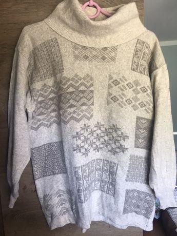 Welniany sweter z golfem norweski wzor