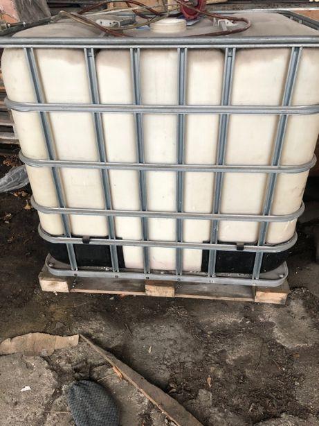 Zbiorniki 1000 L w koszu stalowym ocynkowanym