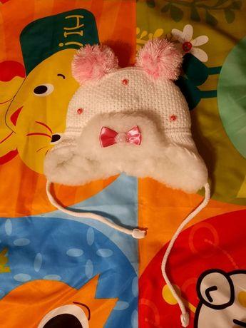 Зимняя шапочка на девочку 0-3мес, детская одежда